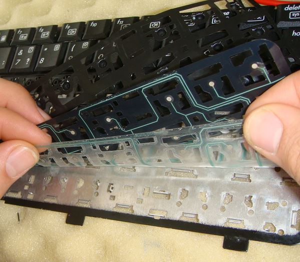Грамотная замена клавиатуры ноутбука
