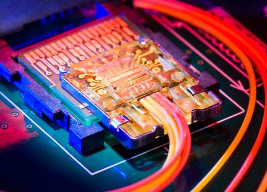 Технология Intel Thunderbolt