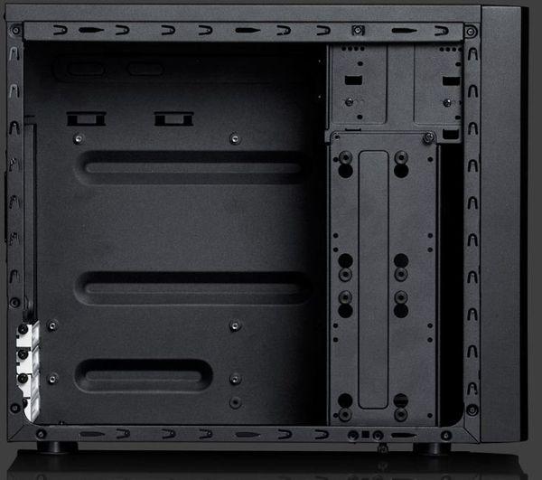Core 1000 целиком выкрашен в черный цвет