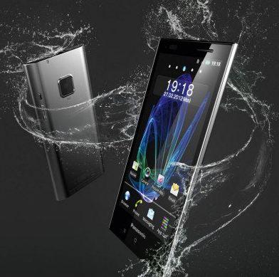 Телефон Panasonic ELUGA появляется в продаже