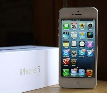 Продажи iPhone 5 в России начались на фоне небывалого падения цен