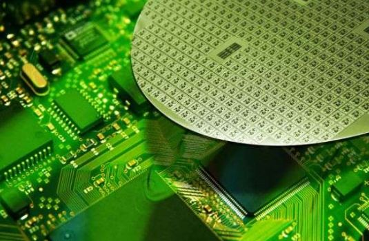 Samsung осваивает 14-нм нормы FinFET