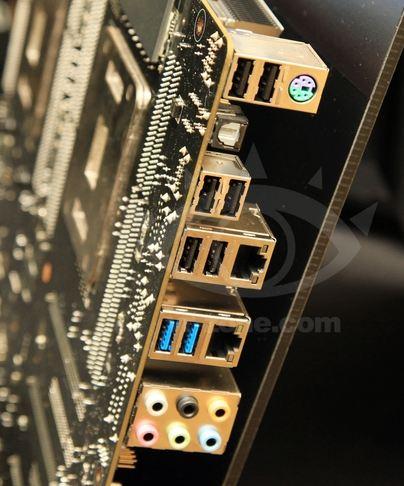 Порты Asus Z9PE-D8 WS