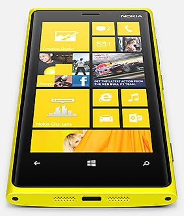 Смартфон Nokia Lumia 920 поднялся на третье место в чарте американского магазина Amazon