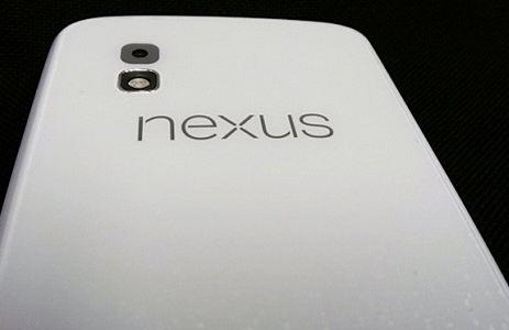 Nexus 4: теперь и в белом
