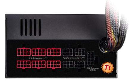 Thermaltake Toughpower 1350 Ватт имеет модульную систему подключения кабелей