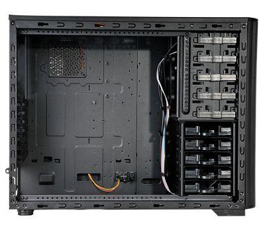 Spire Sentor 6004 поддерживает установку десяти накопителей