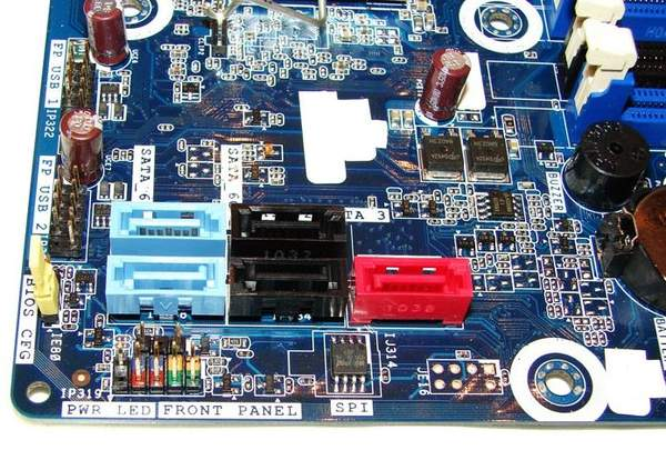 Порты SATA на материнской плате Intel DH67BL