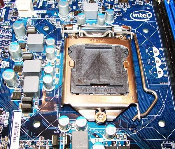 Сокет на материнской плате Intel DH67BL