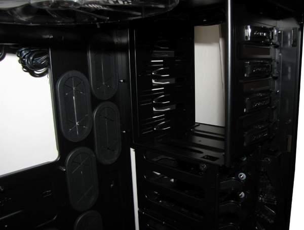 Отсек для установки оптических приводов в Graphite 600T