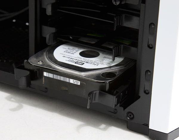 Установка жесткого диска в корпус Carbide 500R