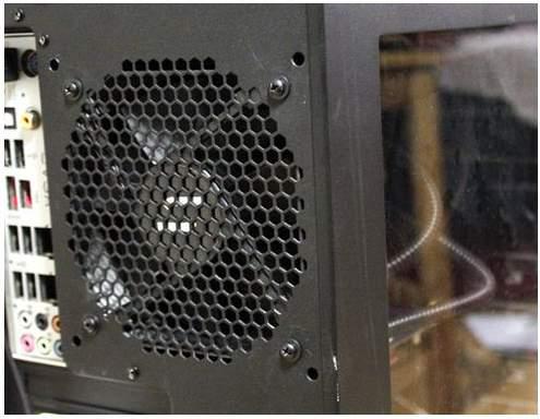 Вентилятор CoolIT ECO на задней стенке