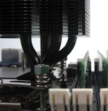Высокие радиаторы модулей памяти могут помешать установке EVGA Superclock