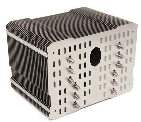 В пластинах Thermalright HR-02 сделаны специальные прорези для улучшения вентиляции