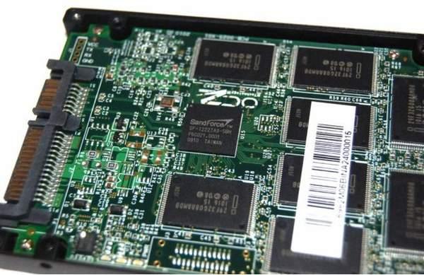 OCZ Agility имеет микросхемы памяти производства Intel