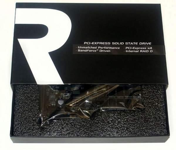 OCZ RevoDrive X2 надежно упакован в пенополиэтилен