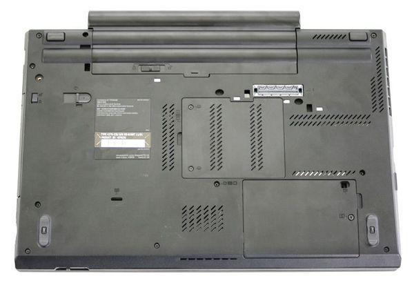 Нижняя часть ноутбука Lenovo ThinkPad W520