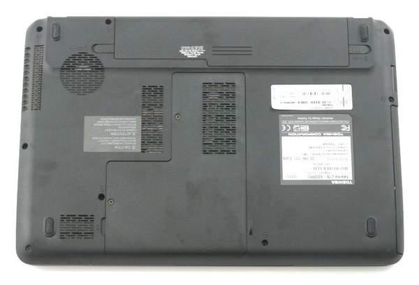 Нижняя часть ноутбука Toshiba Satellite L735