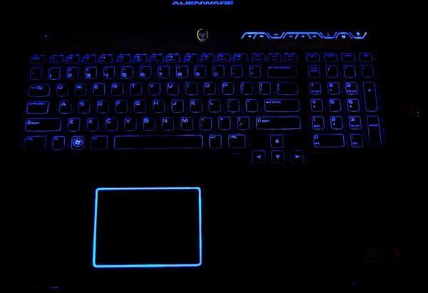 M17x R4 ноутбук не из легких.