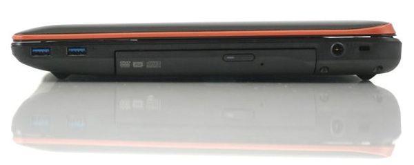 Правая сторона ноутбука Lenovo IdeaPad Y570