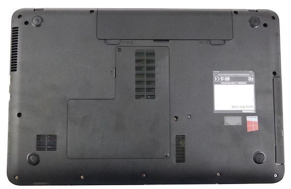 Нижняя поверхность ноутбука