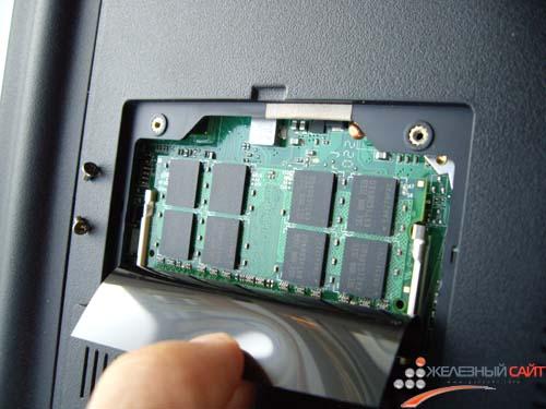 К сожалению, апгрейд Asus Eee PC 1201T ограничен заменой памяти