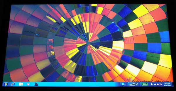 Дисплей ноутбука ThinkPad Edge 15 - вид снизу