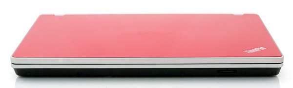 На передней стороне ThinkPad Edge 15 находится только карт-ридер SDHC