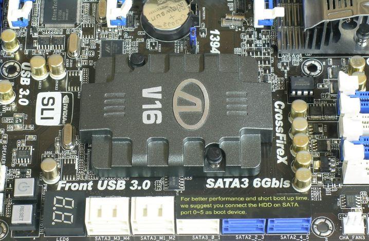 Охлаждение набора микросхем и чипа PLX PEX материнской платы ASRock P67 Extreme6
