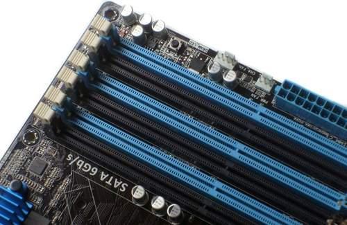Расположение слотов памяти на материнской плате Asus P6X58D-E