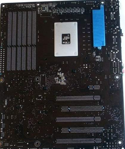 Asus P6X58D-E - радиатор NB отстуствует