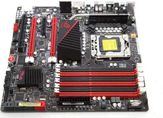 На Rampage III Gene можно установить до 24 Гб DDR3