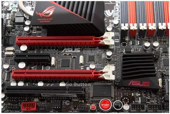 На плате Rampage III Gene имеются два полноценных слота PCIe x16