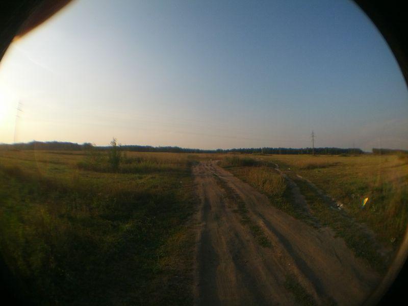 Горизонтальный снимок с объективом
