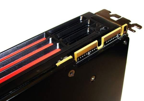 Интерфейс CrossFireX на XFX HD 6970
