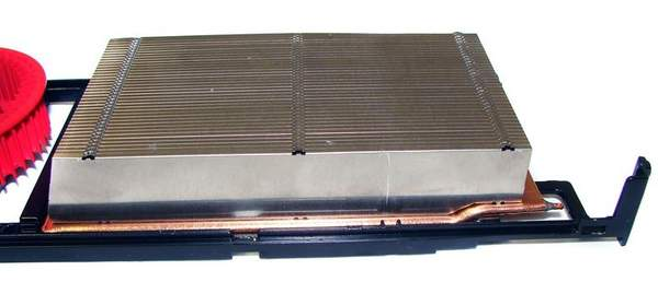 В основе системы охлаждения плат XFX лежит испарительная камера
