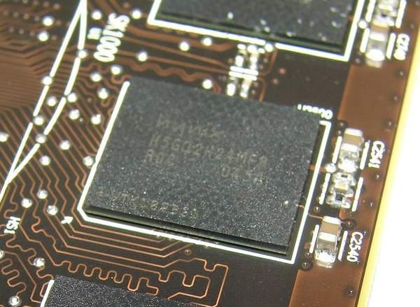 На видеокартах XFX установлена GDDR5 память производства Hynix