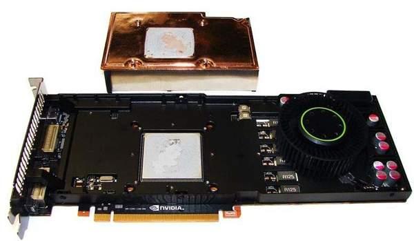 Алюминиевая пластина кулера GTX 580 является и радиатором и каркасом одновременно
