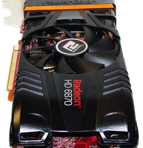 Задняя часть HD 6870 PCS+ отдаленно напоминает автомобиль