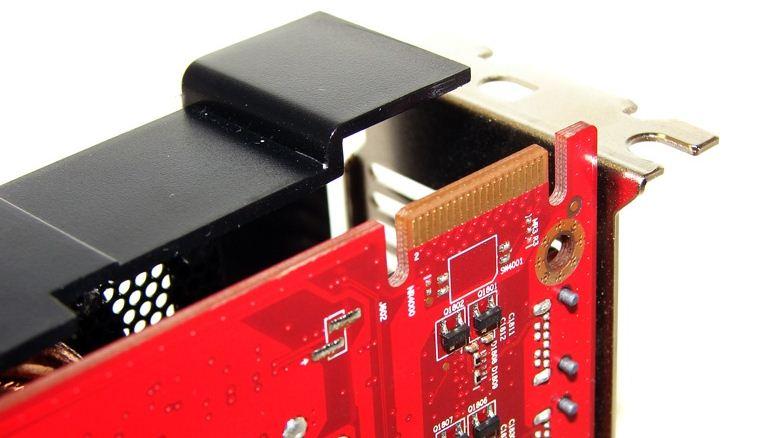 Видеокарта PowerColor HD 6870 PCS+ поддерживает объединение в массив Crossfire