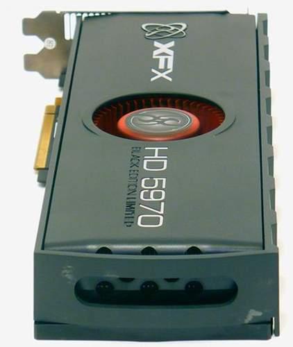 Отвестия для выброса горячего воздуха в торце XFX HD 5970