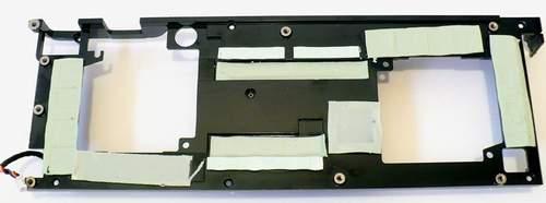 Радиатор для отвода тепла от чипов памяти и силовых элементов
