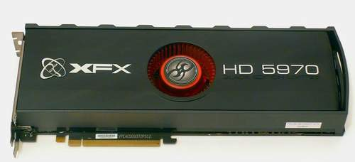 Вентилятор на XFX HD 5970 расположен посередине PCB