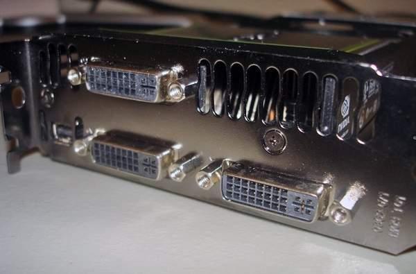 Порты видеокарты Asus GeForce GTX 590