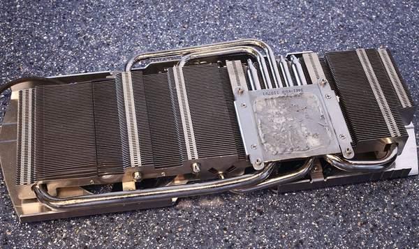 Система охлаждения видеокарты MSI GeForce GTX 580 Lightning